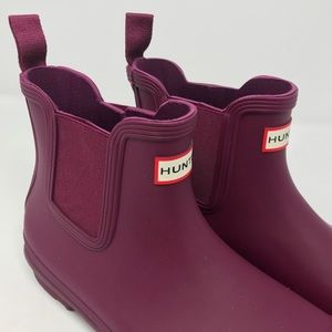 NWT Hunter Refined Slim Fit Chelsea Boot in Purple